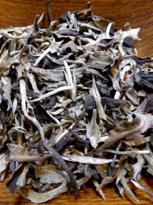 Белый китайский чай Юэ Гуан Бай